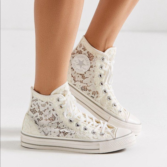 Converse Chuck Taylor Lace High Top